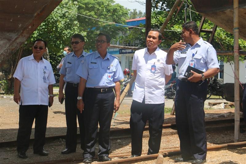 DIRUT PT. INDUSTRI KAPAL INDONESIA/IKI (PERSERO) MAKASAR  KUNJUNGI POLITEKNIK KP BITUNG